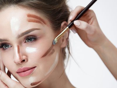 A session on perfecting the art of Highlighting and Contouring | Beauty Experiences by BWT