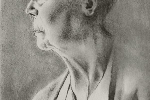 Master your creativity in charcoal medium I Artistic Experiences