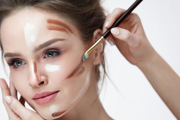 A session on perfecting the art of Highlighting and Contouring   Beauty Experiences by BWT