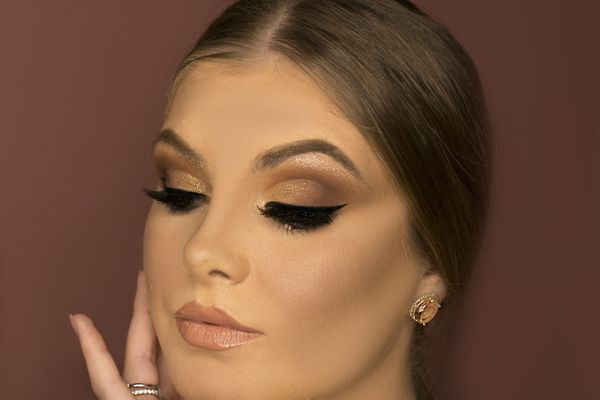 Join our beauty sessions on mastering the Nude Make-up Look | Beauty Experiences by BWT
