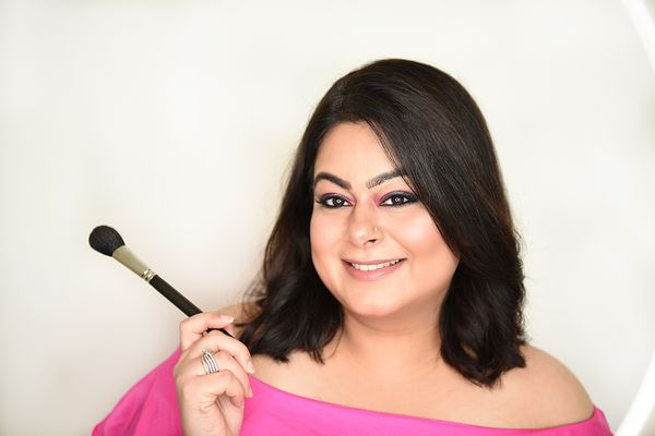 Join an amazing and informative online beauty and makeup session   Beauty Experiences by BWT